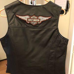 JD leather vest. Like new. Smoke/Pet Free